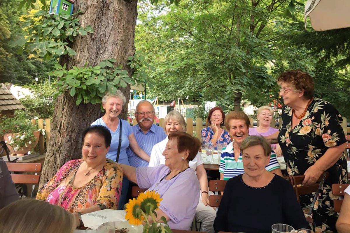 Unternehmungen für einsame Rentner